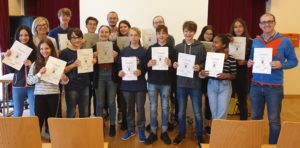 Peers BG Feldgasse Urkundenverleihung